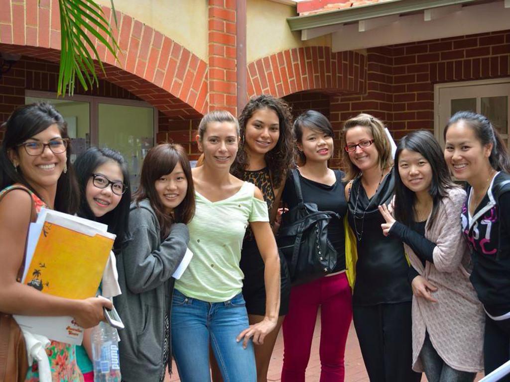 Những người không nên kết bạn khi đi du học (p1)